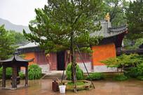 雨中的国清寺古建筑