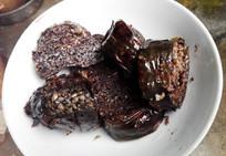 侗族美食血灌肠高清图
