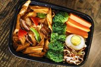 腐竹烧肉米饭套餐美食图片