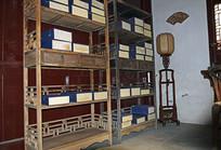 古典木质书架