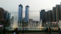 贵州双子塔与喷泉景观
