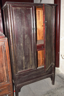 老式木质衣柜高清图