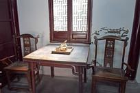 木质桌椅老家具图片
