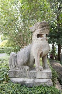 狻猊兽雕塑
