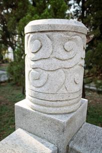 祥云浮雕柱