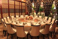 海鲜酒楼餐桌摆台