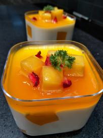 美味的芝士芒果蛋糕