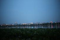 西湖的夜景