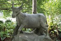 惠州南门公园生肖牛雕塑