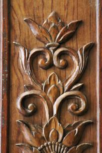 浮雕木刻花卉