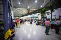 惠州机场航站楼的乘客