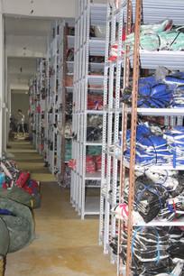 工厂衣服货架