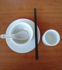广东餐具摆设