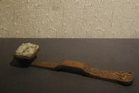 清代白檀木嵌白玉灵芝纹如意