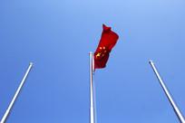 迎风飘扬的五星红旗