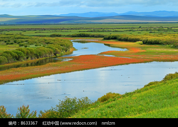 湖泊植被秋色图片