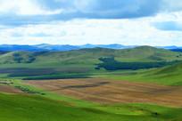 山地之中的耕地