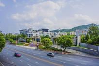 辽宁科技大学与门前公路