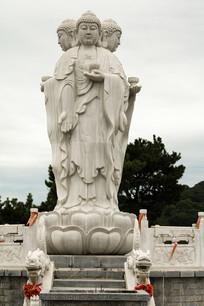 雕塑三面佛像