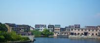 依河而建的楼房