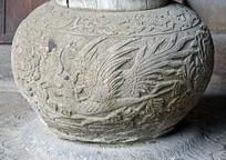 凤凰图案柱基石雕饰