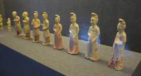 古装人物雕塑展示