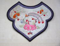 老式绣花口水巾图片