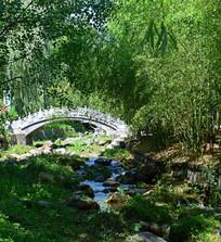 竹林掩映的小桥流水风景
