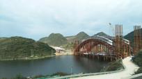 建设中的钢结构桥梁