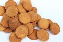金黄色圆形饼干