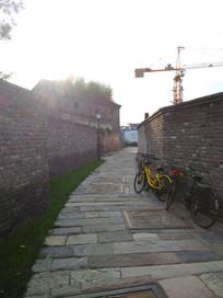 老北京三里河平房住宅区一角