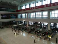贵阳北站安检入口