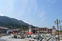 蓝天下的南泉山文化广场工地