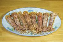 扇形放置的熟虾爬子