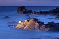 海雾下的山体