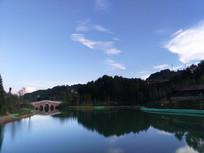 傍晚的湖光山色