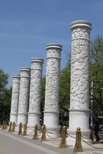 雕花纹的中华立柱