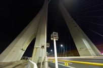仰视惠州合生大桥