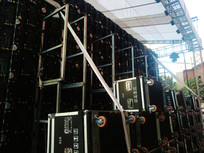 展会LED显示屏背后