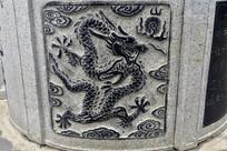 中國龍石柱刻雕