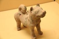 汉代土陶可爱小狗俑