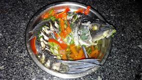 碗里的清蒸鱼
