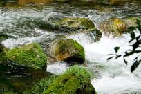 山泉河流石块