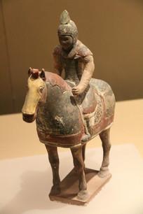 唐三彩骑马将军像