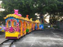 游乐场的小火车