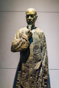 著名书法家伊秉绶铜像