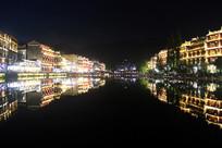 凤凰城古迹夜景