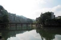 凤凰古城行人大桥