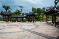 红楼滩公园广场景色