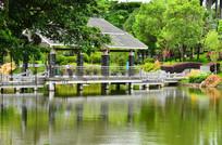 湖边亭子风景图片